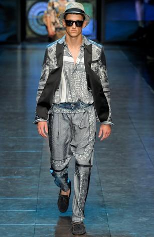D&G reinventeaza tiganul ratacitor. Vezi colectia de primavara 2012 barbati!