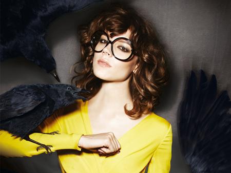Campania publicitara Tom Ford: ochelari si corbi