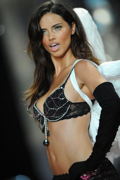 Poveste de supermodel: Adriana Lima
