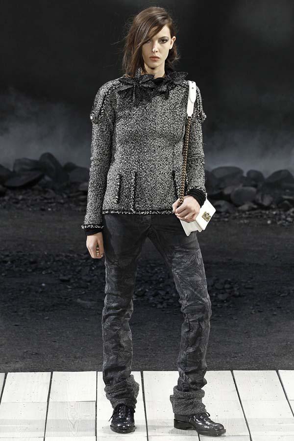 Blugi skinny 2011, varianta apocaliptica