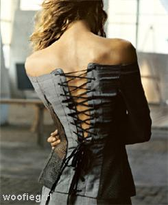Corsetul, la limita dintre lenjerie intima si ready-to-wear