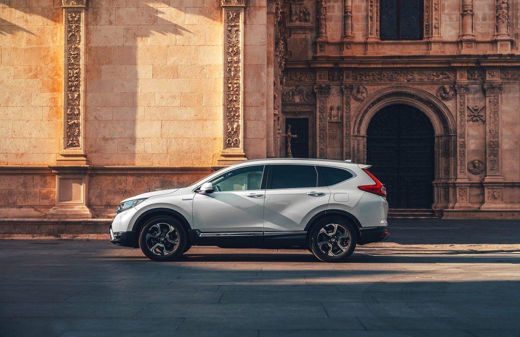 poza landscape cu Honda Hybrid