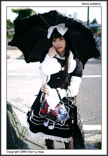 Gotic Lolita, o aparitie fascinanta