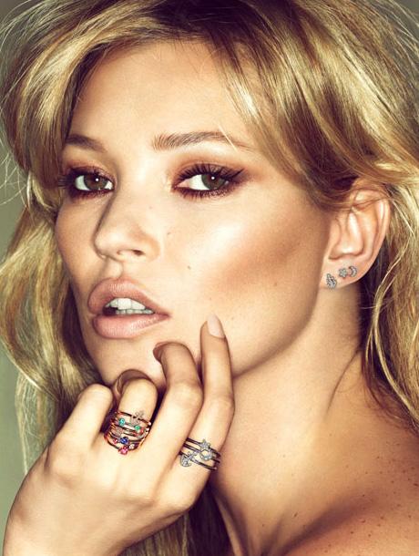 Kate Moss pozeaza pentru Fred Jewelry