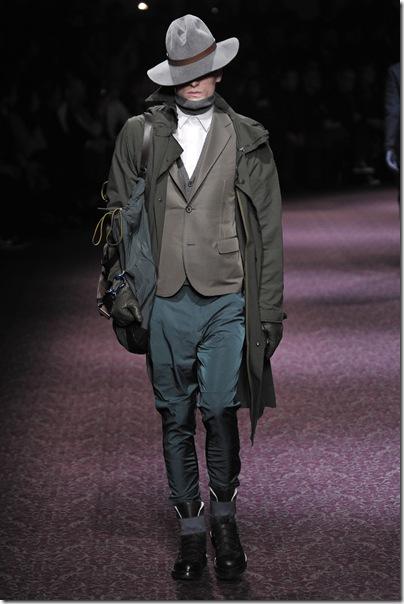 Barbatul elegant al secolului trecut, vazut la show-ul Lanvin
