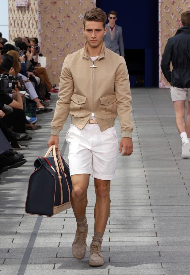 Moda la barbati pentru toamna 2011 – prima strigare