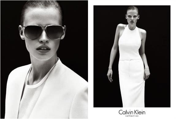 Campanie fashion de la Calvin Klein. Un alt chip famelic si fascinant