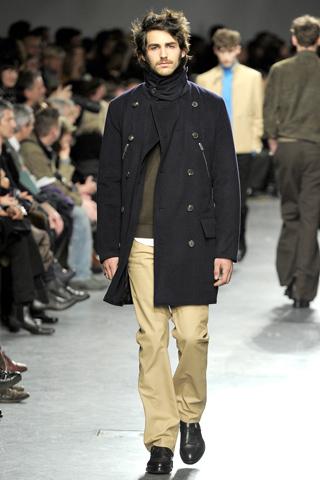 Paltoane scurte pentru barbati. Colectia Hermès toamna-iarna 2011