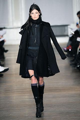 Cele mai frumoase paltoane pentru femei, aduse direct de pe runway