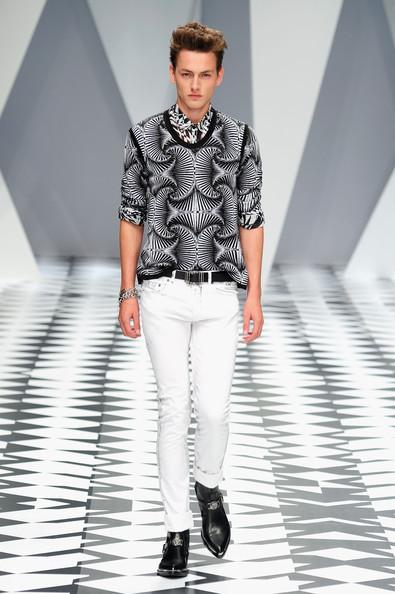 Moda verii 2011 pentru barbati. Patternuri hipnotice si texturi spectaculoase