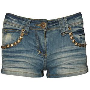 Cum poti sa porti iarna pantaloni scurti din denim