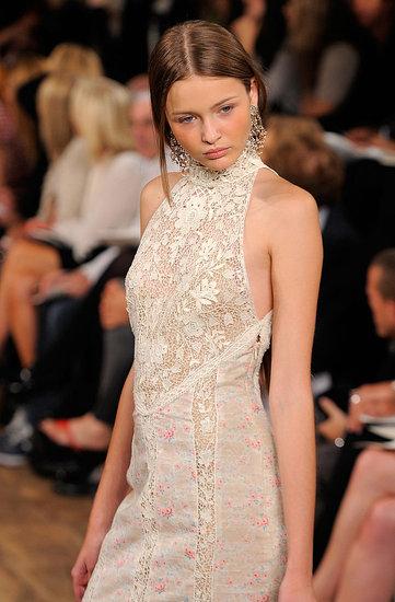 Rochia brodata Ralph Lauren, la limita dintre moda si arta