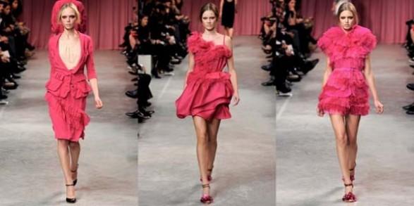 Rochii roz, cu volane, marca Nina Ricci