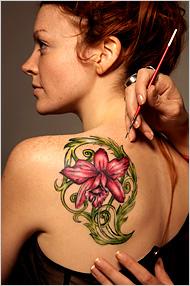 Tatuaje semipermanente, noul trend al litoralului romanesc