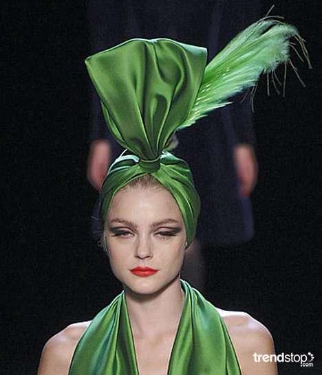 Gaultier inventeaza turbanul urias