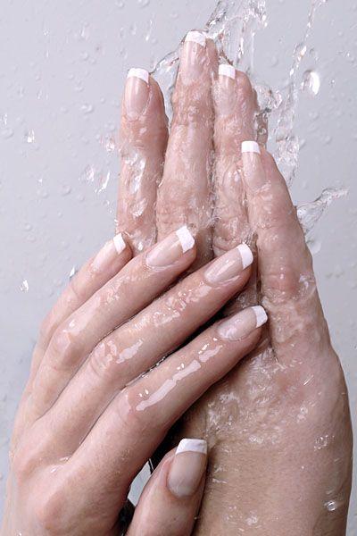 Cateva trucuri pentru French Manicure