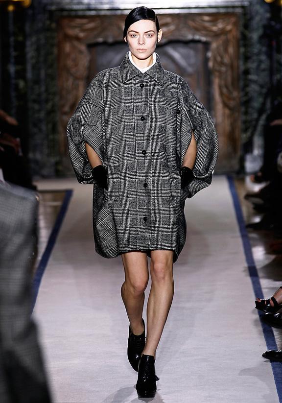 Moda la 40 plus. Tinute Yves Saint Laurent